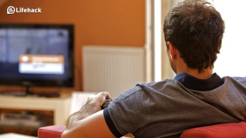 25 Productive Things You Can Do While Watching TV by Mike Vardy