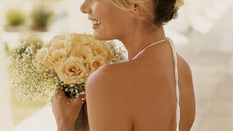 10 tips to a Happy bride by Michelle Paradise.